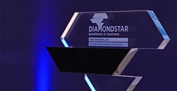 Gläserner Diamondstar Preis auf dunkelblauem Hintergrund